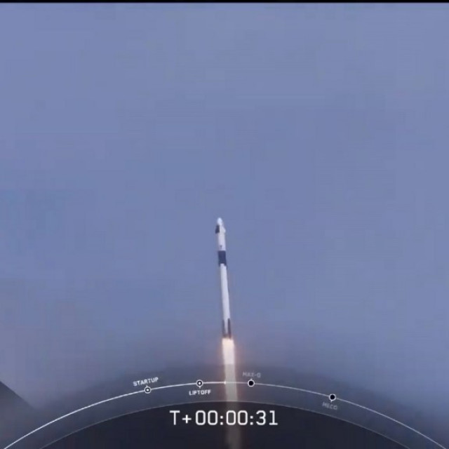 Falcon 9 raketa leti s astronutima u svemir