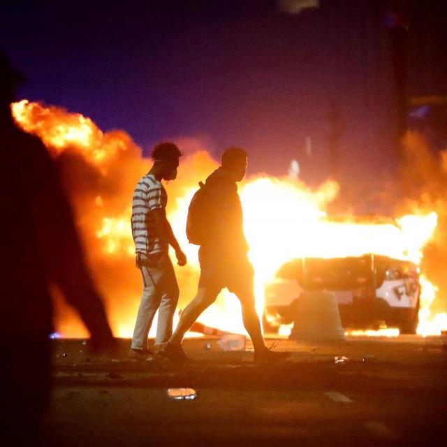 Nasilje na američkim ulicama, ali ujedno i borba protiv rasizma