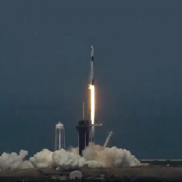 Falcon 9, lansiranje