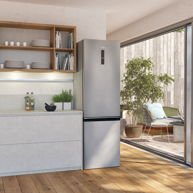 129515_file_print_FS18_Ambient_Fridge&Freezer_Integrated_handle_Superior_line