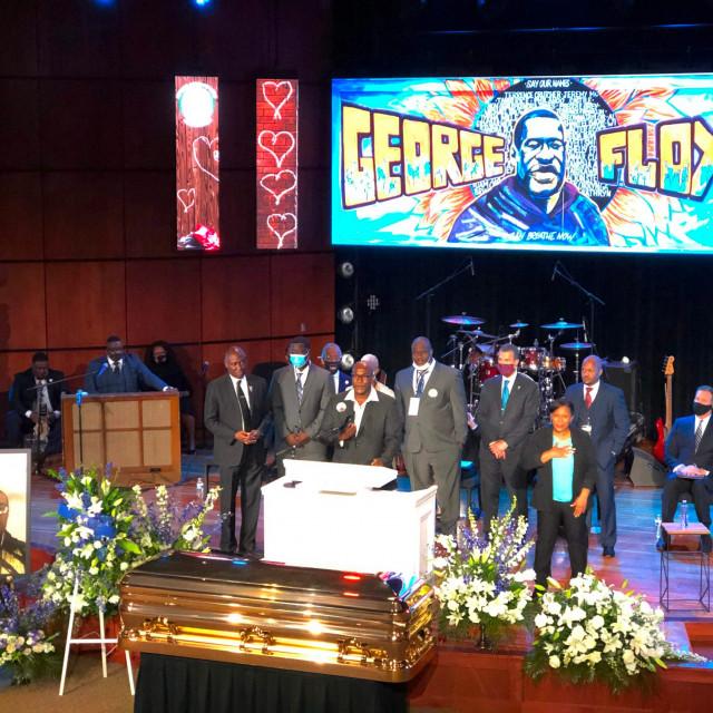 Obitelj Georgea Floyda na komemoraciji