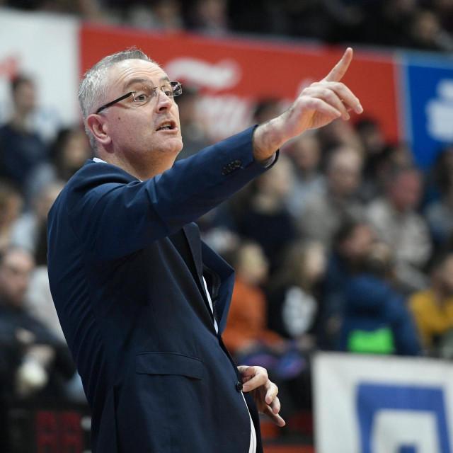 Zagreb, 100120.<br /> KD. Drazen Petrovic.<br /> Savska.<br /> Kosarka, ABA liga, 15. kolo, Cibona vs Zadar<br /> Na fotografiji: Ivan Velic.<br />