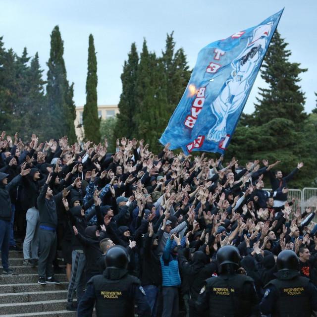 Hajdukovi su navijači protiv Intera u petak svoj show priredili izvan stadiona