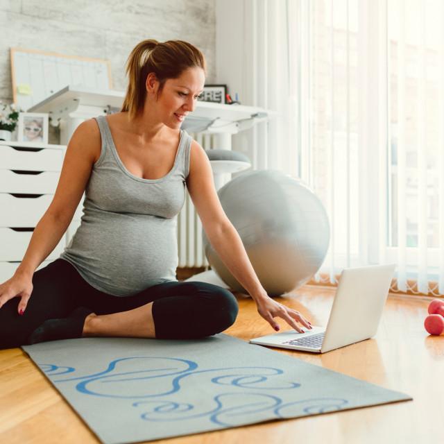 Stručnjaci kažu da se to ne odnosi na žene s nekompliciranim trudnoćama bez prijašnjih pobačaja