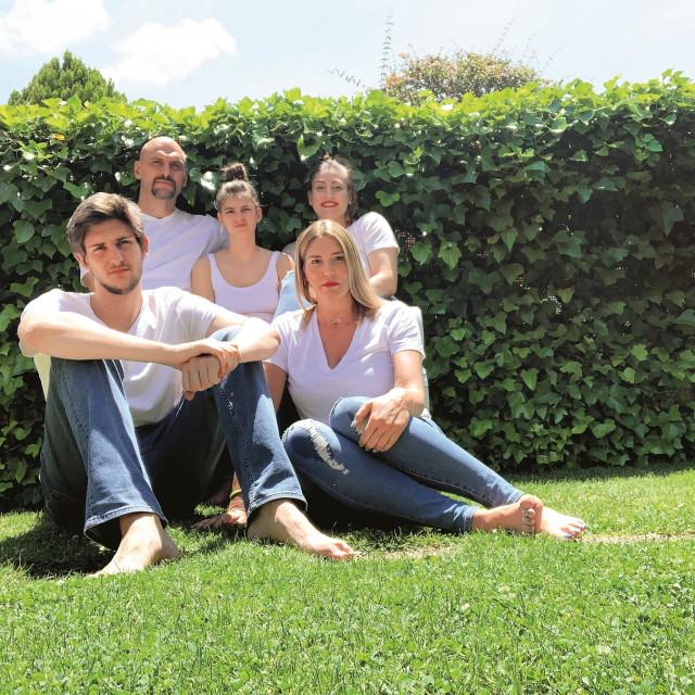 Obitelj Tabak konačno je na okupu, čekaju da se Gorana u potpunosti oporavi od koronavirusa