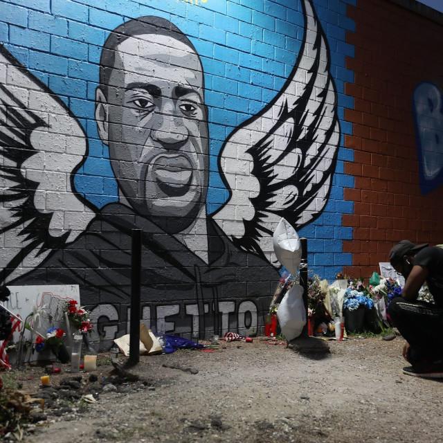 Mural u čast Georgea Floyda u Houstonu