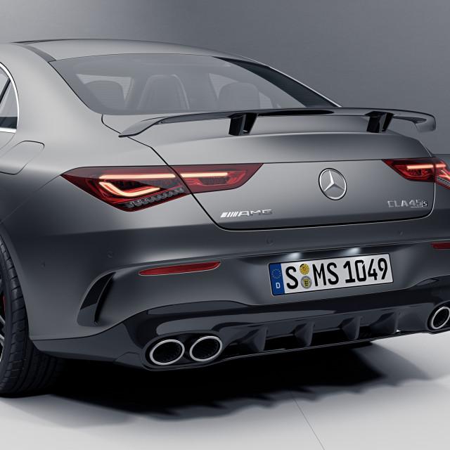 Mercedes-AMG-CLA-2