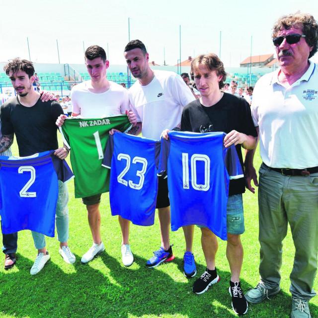 Luka Modrić, Šime Vrsaljko, Danijel Subašić i Dominik Livaković prije dviej godine na terenu svog matičnog kluba NK Zadar