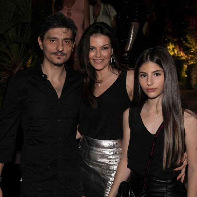 Dimitris Giannokopoulos sa suprugom Ioannom Marosouli i kćerkom Despinom