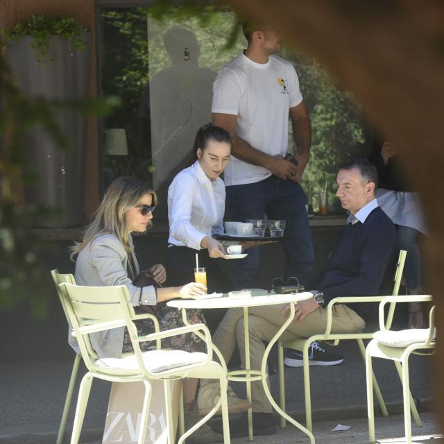Tihomir Ladešić i Tea Blažević na kavi