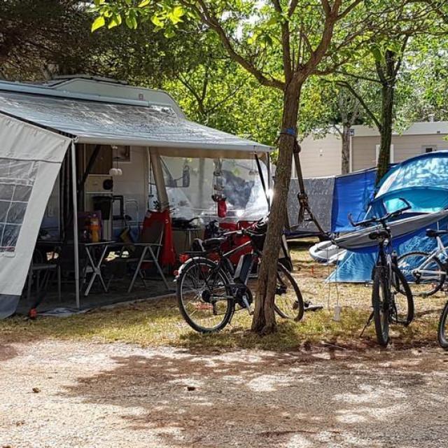 Kamp Bi Village