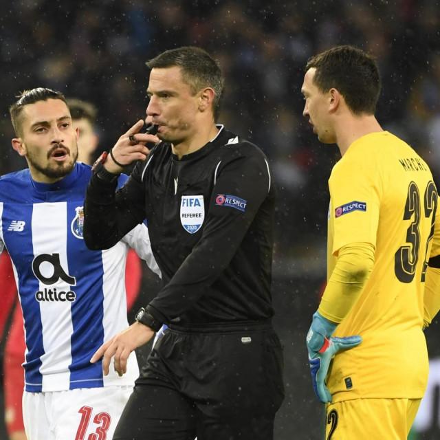 Slavko Vinčić sudio je susret Bayer Leverkusena i Porta krajem veljače