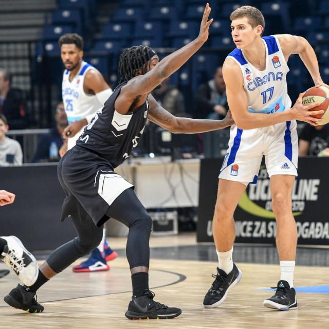 Roko Prkačin (17), zajedno s novim akvizicijama, Tonijem Nakićem (21) i, nadaju se u Ciboni, Mateom Drežnjakom (21), činit će osovinu momčadi za sljedećih nekoliko sezona
