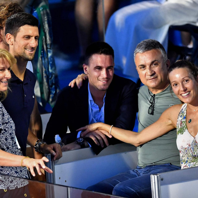 Novak Đoković zajedno s ocem, majkom i bratom