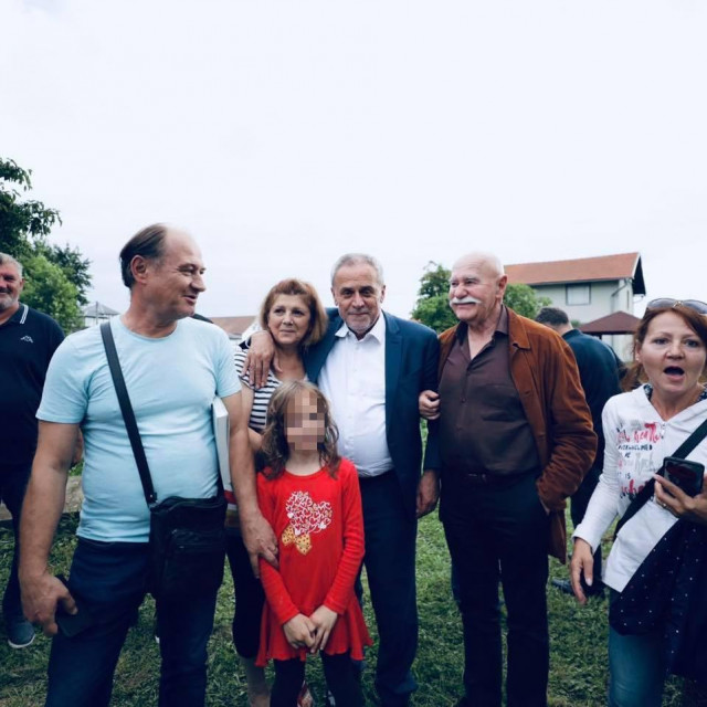 Milan Bandić u Sesvetama na dodjeli priručnika 'Urbano biovrtlarstvo'