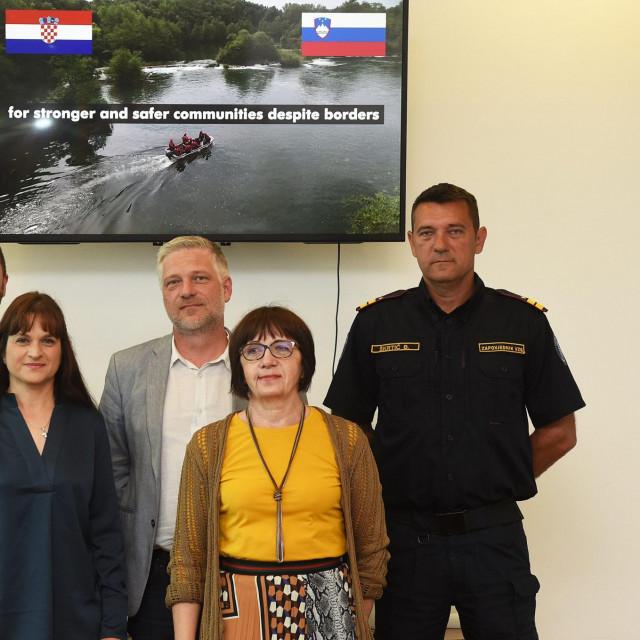 Tim koji je realizirao projekt na celu sa dugoreškim gradonačelnikom Tomislavom Boljarom