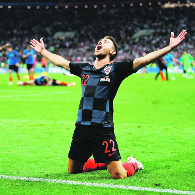 Josip Pivarić slavi pobjedu protiv Engleske u polufinalu Svjetskog prvenstva 2018. godine