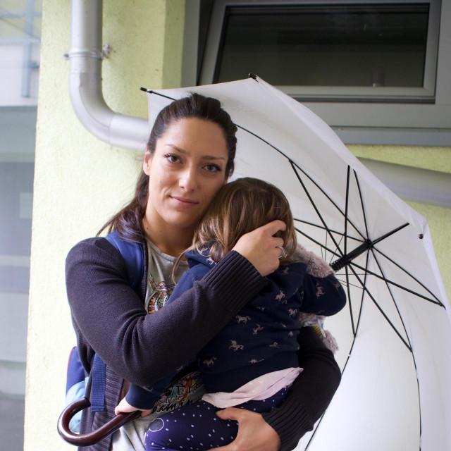 Majka s djetetom je 28 godišnja Džana Kahteran Hodžić