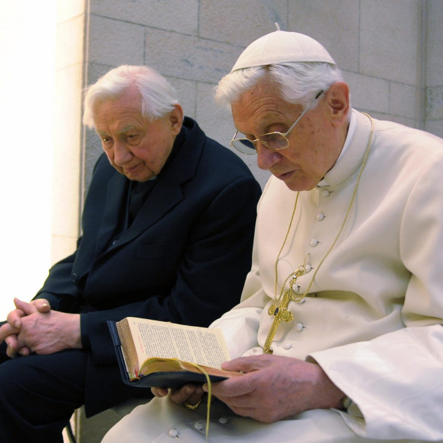 Papa u miru Benedikt XVI. i njegov brat mons. Georg Ratzinger