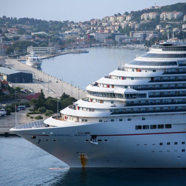 Kruzer Carnival Magic u Dubrovniku