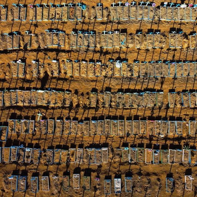 Manaus, masovne grobnice
