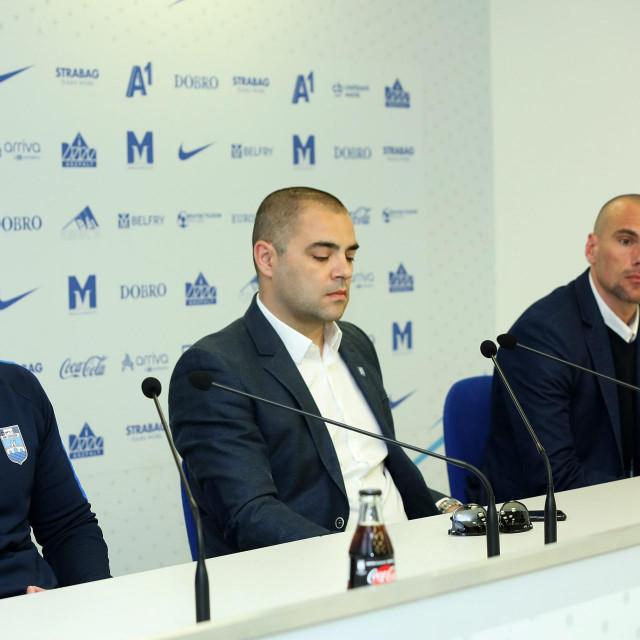 Direktor Galić (u sredini) snimljen prošle godine na predstavljanju tada novog trenera Dine Skendera