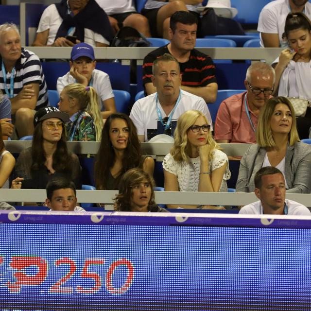 Mirna Zidarić (s naočalama) snimljena lani na turniru u Umagu