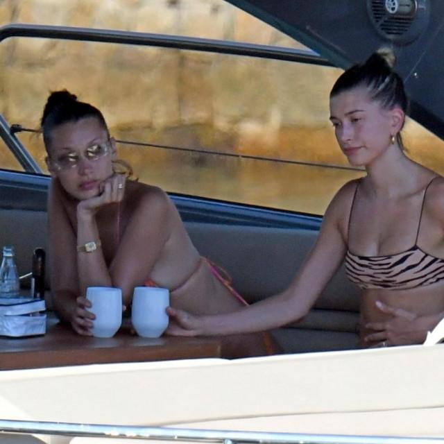 Hailey Bieber i Bella Hadid