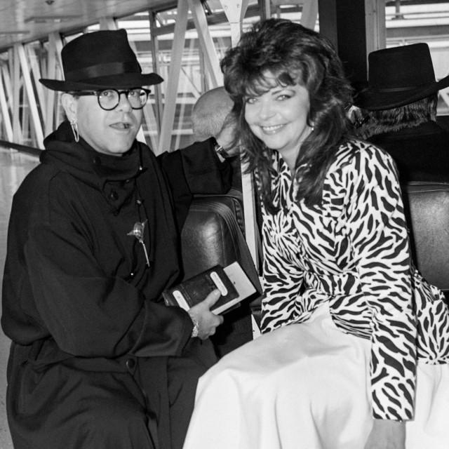 Elton John i Renate Blauel