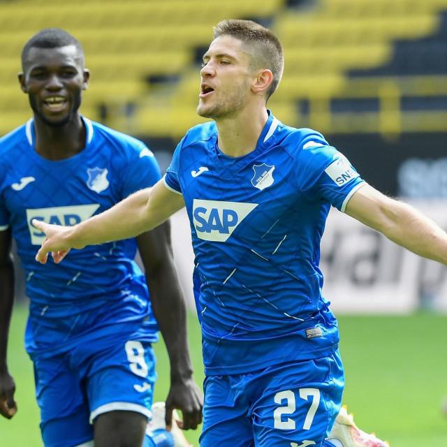 Andrej Kramarić slavi treći gol Borussiji