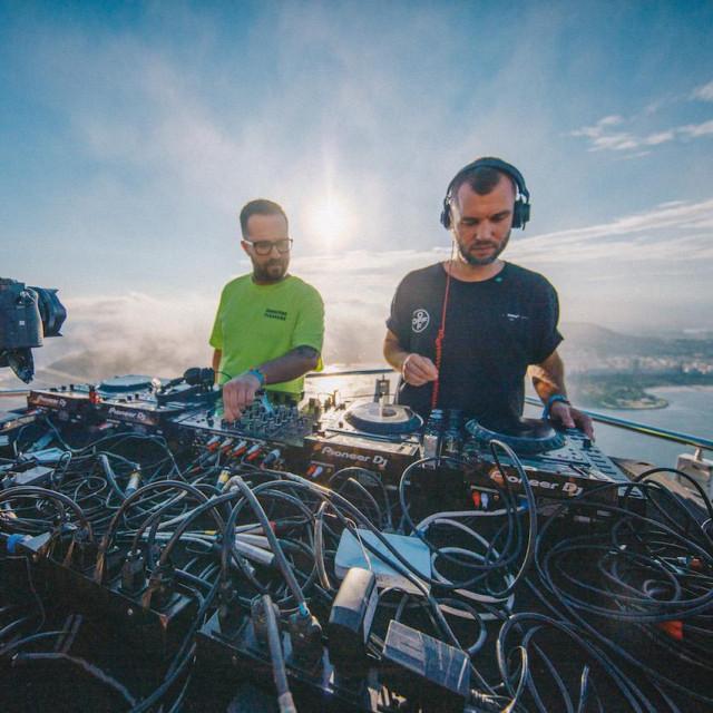 Ukrajinski DJ dvojac ARTBAT