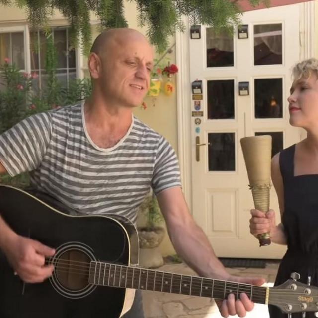 Mile i Ivana Kekin u spotu 'Sretni ljudi'