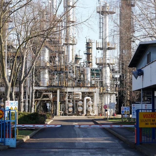 Pogoni Rafinerije nafte Sisak