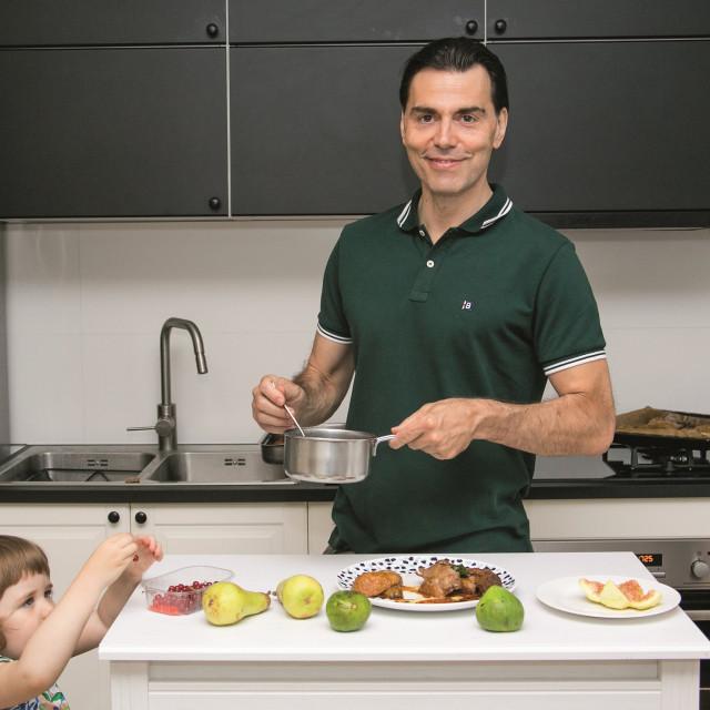 U obitelji se natječu tko će što bolje skuhati ljetni ručak.