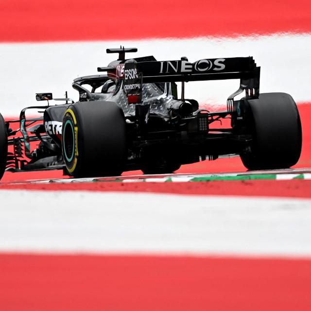 Lewis Hamilton započeo je ovu godinu onako kako je zaključio prošlu...