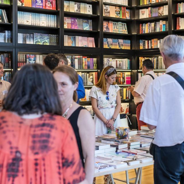 Otvorenje knjižare Fraktura