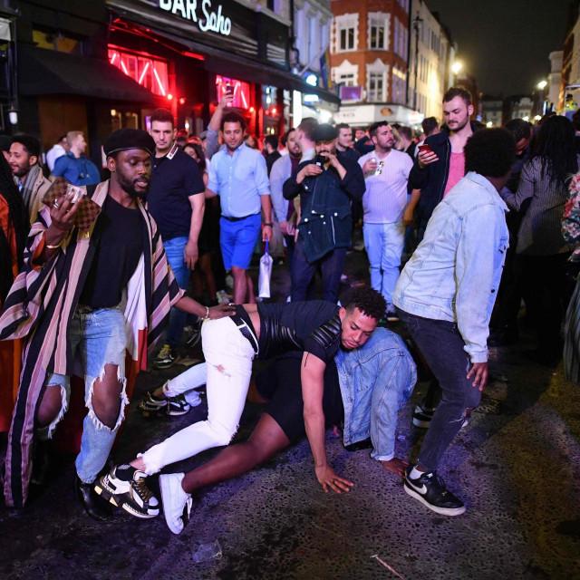London nakon otvaranja pubova