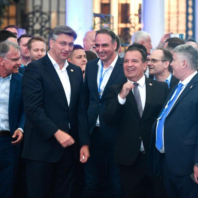 Gari Capelli, Andrej Plenković, Mario Kapulica, Vili Beroš