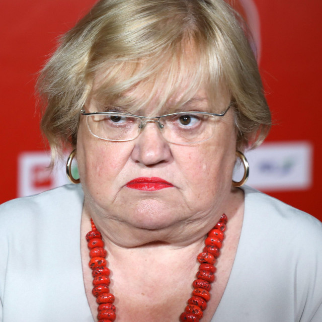 Zagreb, 050720.<br /> Iblerov trg.<br /> Pracenje rezultata parlamentarnih izbora 2020. godine u stozeru Restart koalicije.<br /> Na fotografiji: Anka Mrak Taritas.<br />