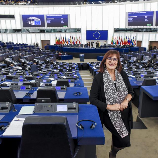 Dubravka SUICA in the EP in Strasbourg