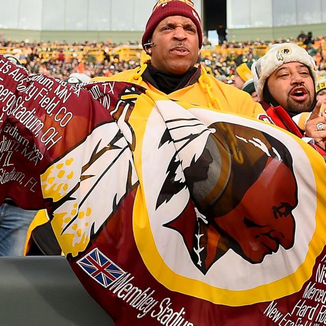 Navijači momčadi Washington Redskins tijekom utakmice s Green Bay Packersima na stadionuLambeau Field u Green Bayju