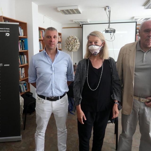 Hrvoje Klasić, Vesna Teršelič i Žarko Puhovski