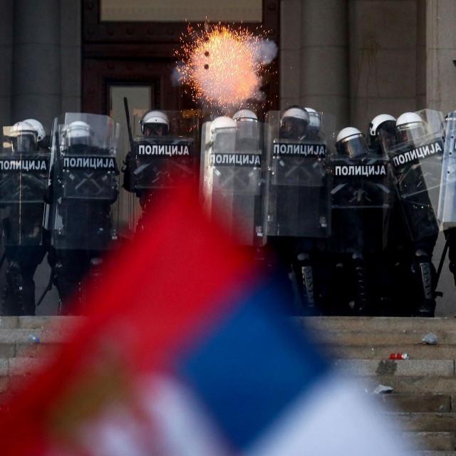 Sukob policije i prosvjednika u Beogradu