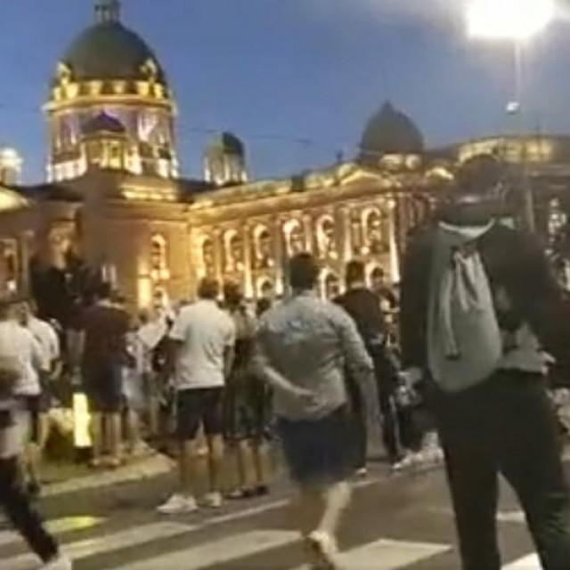 Prizor s prosvjeda u Beogradu