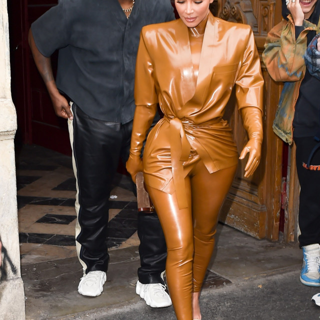 Kanye redovito drži mise na kojima prisustvuje cijela Kardashian-Jenner obitelj.