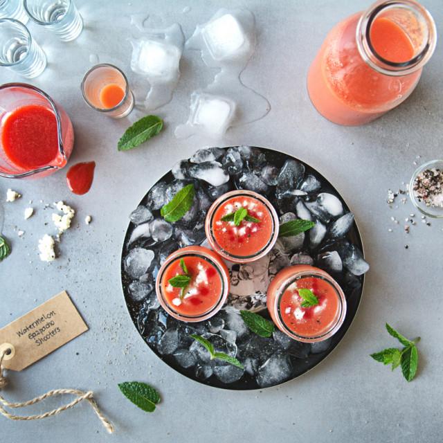 Osvježavajuće jelo od lubenice, rajčice, vode, maslinovog ulja i octa
