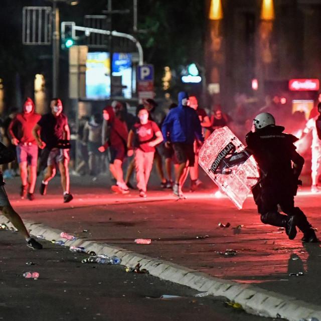 Prizor iz Beograda, sukob policije i prosvjednika