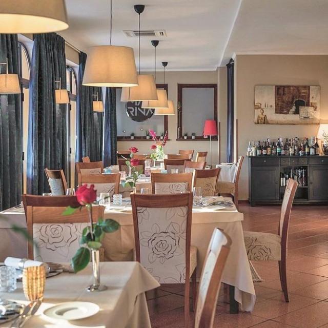 Marina Novigrad - interijer restorana