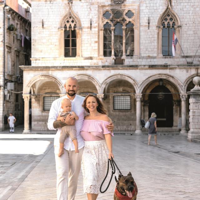Georgie, Alex i Story već mjesecima borave u Hrvatskoj. U Dubrovniku su nam dali intervju, a potom se zaputili na Vis.