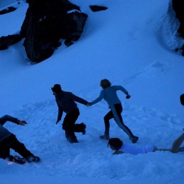 Prizor iz filma 'The Dyatlov Pass Incident' u kojem se pokušalo rekonstruirati tragediju na Uralu